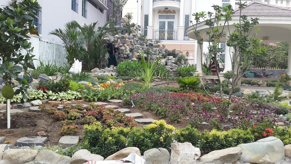 Vườn hoa Thác núi Biệt thự PMH