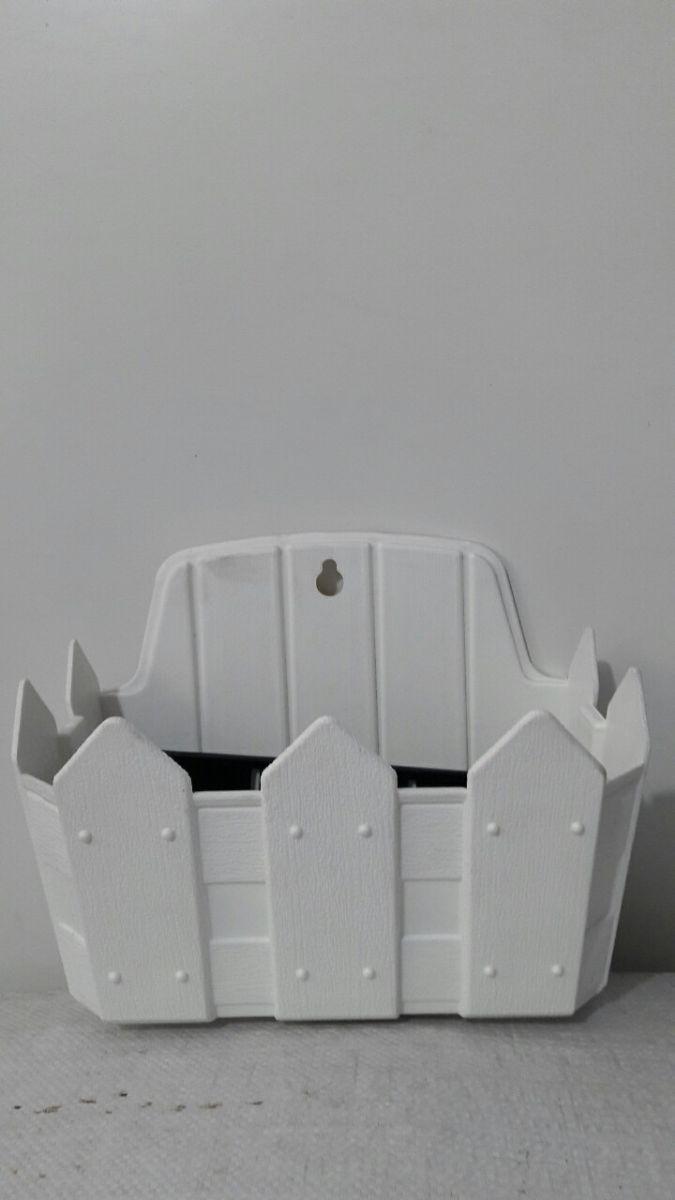 957 - Chậu nhựa hàng rào treo tường 30 x 20 x 16